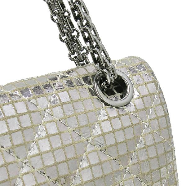Chanel(샤넬) 실버 메탈릭 미러 디테일 2.55 미니 퀼팅 은장로고 체인 플랩 숄더백 [강남본점] 이미지4 - 고이비토 중고명품