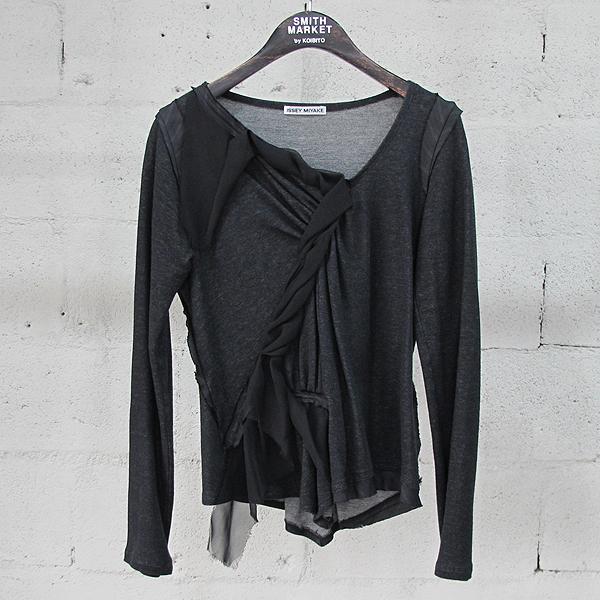 ISSEY MIYAKE (이세이미야케) 그레이 컬러 셔링 디테일 여성용 티셔츠 [동대문점]