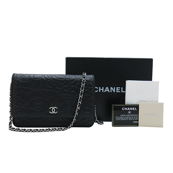 Chanel(샤넬) A447421 블랙 램스킨 까멜리아 WOC 은장로고 체인 미니 크로스백 [인천점]