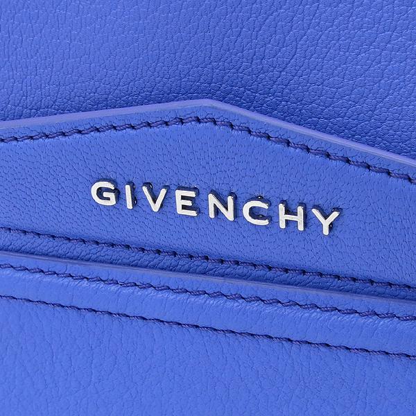 GIVENCHY(지방시) 라이트 퍼플 블루 컬러 레더 은장로고 안티고나 플랩 클러치 [강남본점] 이미지4 - 고이비토 중고명품