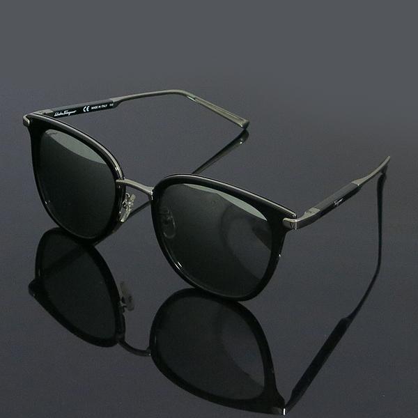 Ferragamo(페라가모) SF898SK 은장 투톤 블랙 측면 로고 뿔테 선글라스 [동대문점] 이미지2 - 고이비토 중고명품