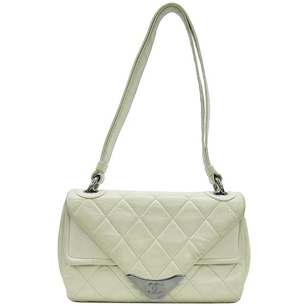 Chanel(샤넬) 은장 로고 장식 플랩 아이보리 레더 숄더백 [강남본점] 이미지2 - 고이비토 중고명품