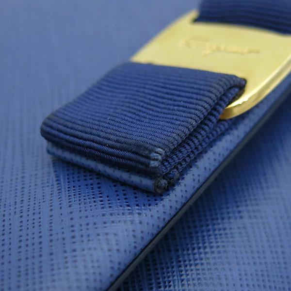 Ferragamo(페라가모) 22 B558 블루 사피아노 바라 리본 금장 체인 숄더 크로스백 [부산본점] 이미지4 - 고이비토 중고명품