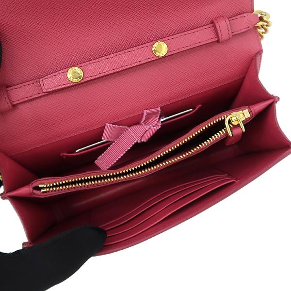 Prada(프라다) 1BP006 SAFFIANO LUX 핑크 컬러 사피아노 럭스 미니 체인 크로스백 [강남본점] 이미지5 - 고이비토 중고명품