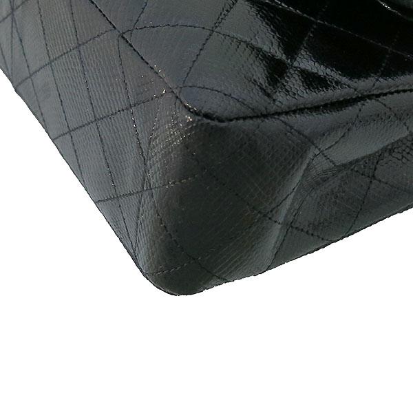 Chanel(샤넬) 블랙 리자드(도마뱀) 가죽 클래식 M사이즈 은장 체인 숄더백 [부산센텀본점] 이미지5 - 고이비토 중고명품