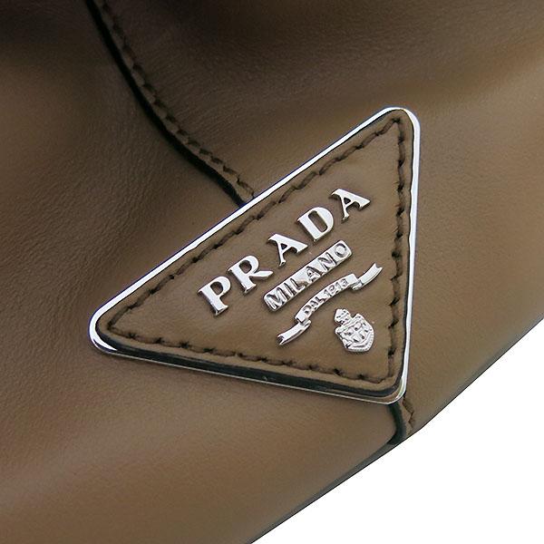 Prada(프라다) 1BA031 프레임 바이 컬러 카프 레더 토트백 + 가죽 파우치 [부산센텀본점] 이미지4 - 고이비토 중고명품