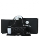 Chanel(샤넬) A91293Y04638 은장로고 블랙 램스킨 보이샤넬 라지 플랩 숄더백[광주]