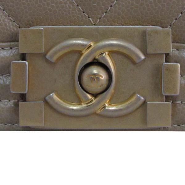 Chanel(샤넬) A67086Y83572 베이지 캐비어 스킨 쉐브론 보이샤넬 M사이즈 금장로고 체인 숄더백 [대구반월당본점] 이미지5 - 고이비토 중고명품