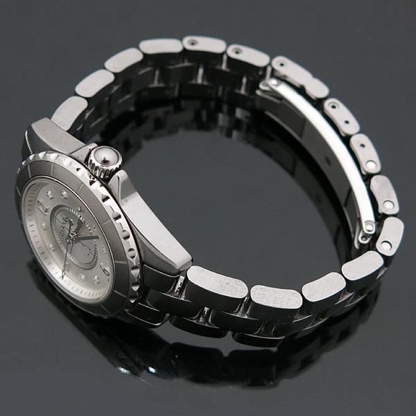 Chanel(샤넬) H2685 J12 29MM 그레이 티타늄 세라믹 베젤 쿼츠 8포인트 다이아 여성용 시계 [인천점] 이미지3 - 고이비토 중고명품