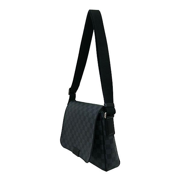 Louis Vuitton(루이비통) N41260 다미에 그라피트 캔버스 디스트릭트 PM 크로스백 [부산센텀본점] 이미지3 - 고이비토 중고명품