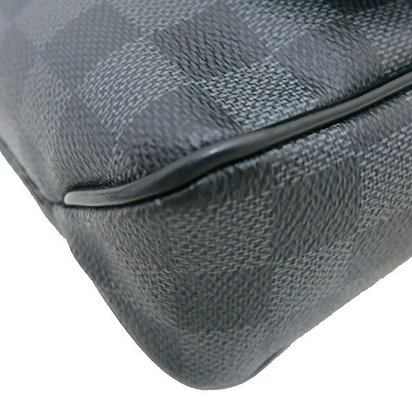 Louis Vuitton(루이비통) N41260 다미에 그라피트 캔버스 디스트릭트 PM 크로스백 [부산센텀본점] 이미지5 - 고이비토 중고명품