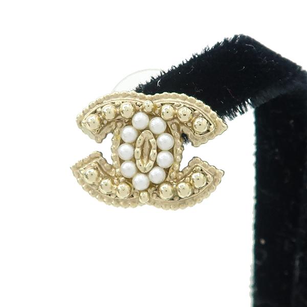 Chanel(샤넬) COCO 로고 진주 커스텀 장식 귀걸이 [강남본점] 이미지3 - 고이비토 중고명품
