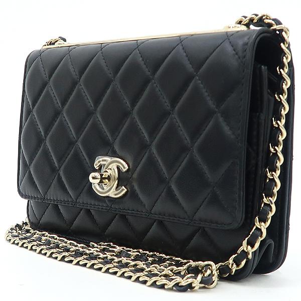Chanel(샤넬) A80982 블랙 컬러 램스킨 레더 트렌디 COCO 로고 금장 장식 WOC 월릿 온 체인 크로스백 [강남본점] 이미지3 - 고이비토 중고명품