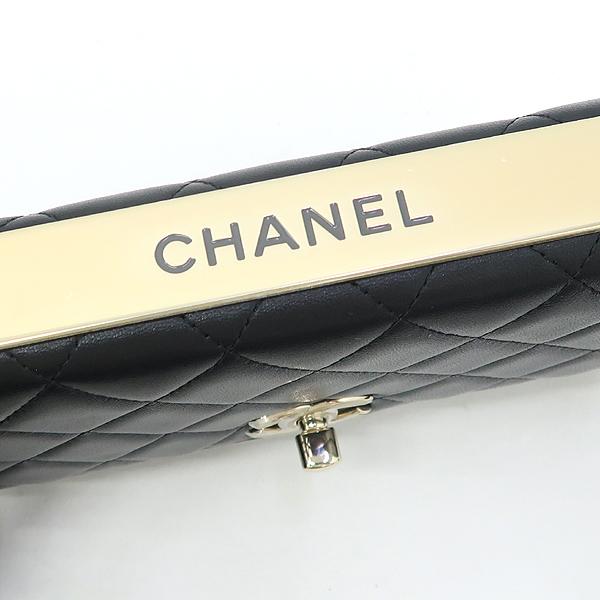 Chanel(샤넬) A80982 블랙 컬러 램스킨 레더 트렌디 COCO 로고 금장 장식 WOC 월릿 온 체인 크로스백 [강남본점] 이미지4 - 고이비토 중고명품