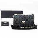 Chanel(샤넬) A80982 블랙 컬러 램스킨 레더 트렌디 COCO 로고 금장 장식 WOC 월릿 온 체인 크로스백 [강남본점]