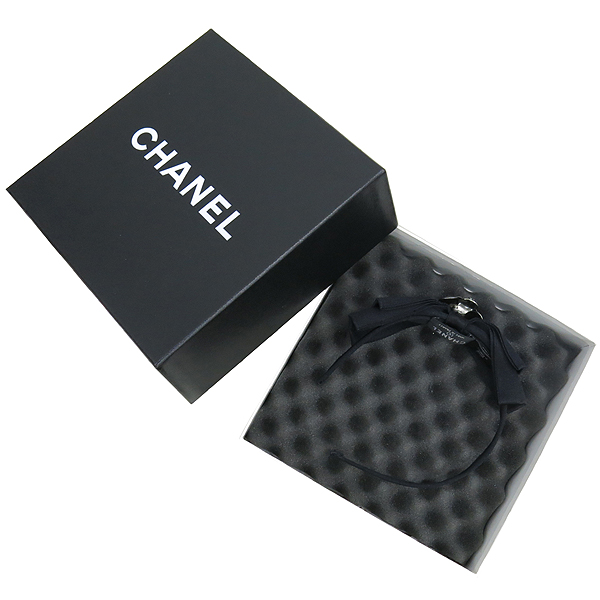Chanel(샤넬) 까멜리아 리본 장식 헤어 밴드 [강남본점]