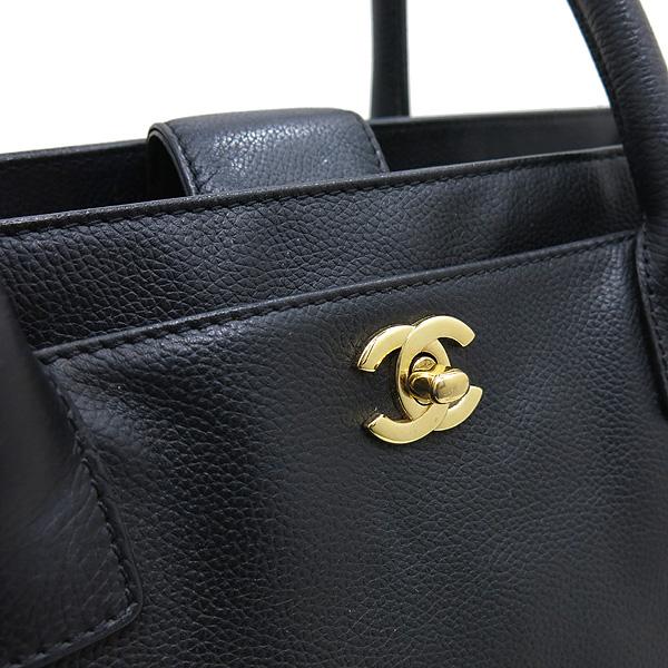 Chanel(샤넬) A15206Y01570 카프스킨 캐비어 블랙 금장 COCO로고 서프 토트백 + 숄더스트랩 2WAY [인천점] 이미지5 - 고이비토 중고명품
