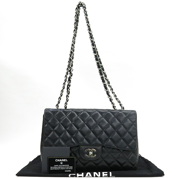 Chanel(샤넬) A28600 램스킨 블랙컬러 클래식 점보 L사이즈 은장로고 체인 원 플랩 숄더백 [강남본점]