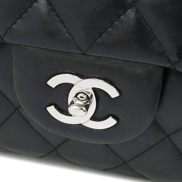 Chanel(샤넬) A28600 램스킨 블랙컬러 클래식 점보 L사이즈 은장로고 체인 원 플랩 숄더백 [강남본점] 이미지4 - 고이비토 중고명품