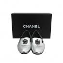 Chanel(샤넬) G30637 X47529 실버 메탈릭 까멜리아 장식 여성용 로퍼 [동대문점]