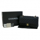 Chanel(샤넬) A01112Y01498 캐비어스킨 클래식 M 사이즈 금장 체인 숄더백 [대구동성로점]