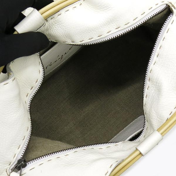 HENRY BEGUELIN(헨리 베글린) 화이트 레더 로고 장식 숄더백 [강남본점] 이미지5 - 고이비토 중고명품