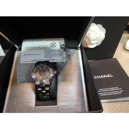 Chanel(샤넬)H2978 J12 그레이 티타늄 세라믹 CHROMATIC(크로매틱) 아날로그 남여공용 시계[부산남포점] 이미지2 - 고이비토 중고명품