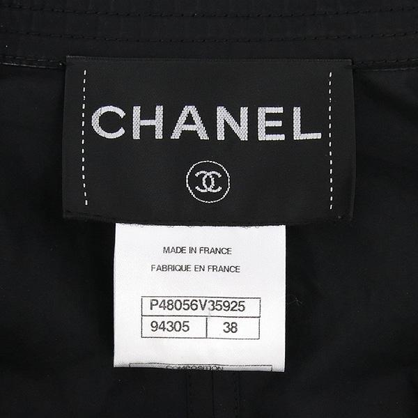 Chanel(샤넬) P48056V35925 블랙 컬러 폴리에스터 혼방 여성용 레인 코트 [강남본점] 이미지4 - 고이비토 중고명품