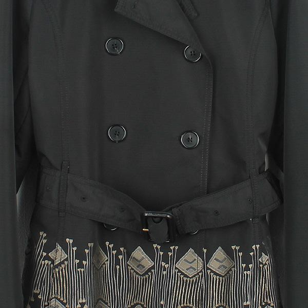 Etro(에트로) 블랙 컬러 폴리에스터 패턴 프린팅 여성용 레인 코트 [강남본점] 이미지2 - 고이비토 중고명품