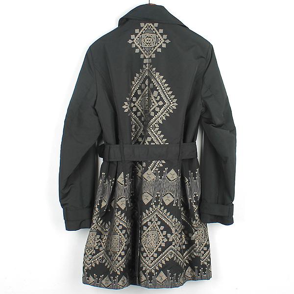 Etro(에트로) 블랙 컬러 폴리에스터 패턴 프린팅 여성용 레인 코트 [강남본점] 이미지3 - 고이비토 중고명품