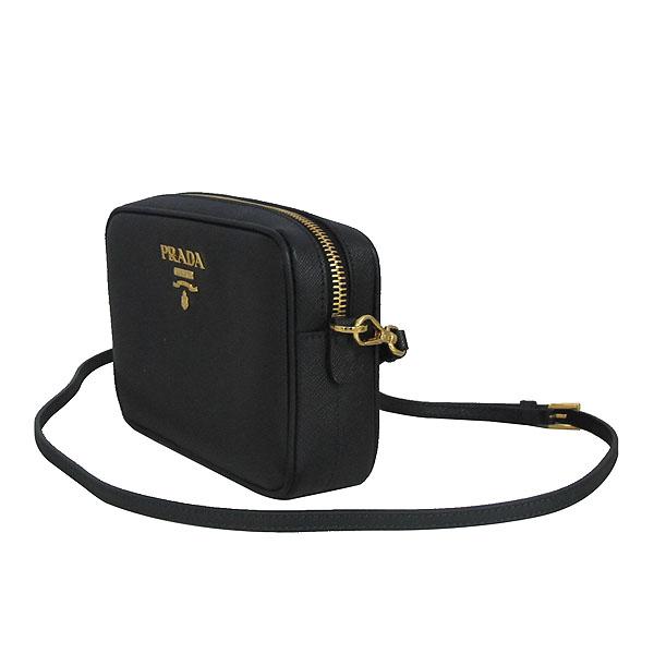 Prada(프라다) 1BH036 블랙 컬러 SAFFIANO LUX (사피아노 럭스) 금장 로고 미니 크로스백 [동대문점] 이미지3 - 고이비토 중고명품