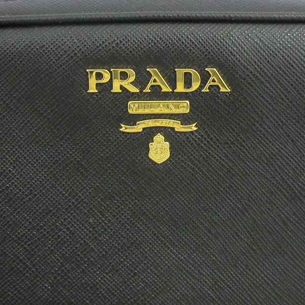 Prada(프라다) 1BH036 블랙 컬러 SAFFIANO LUX (사피아노 럭스) 금장 로고 미니 크로스백 [동대문점] 이미지4 - 고이비토 중고명품