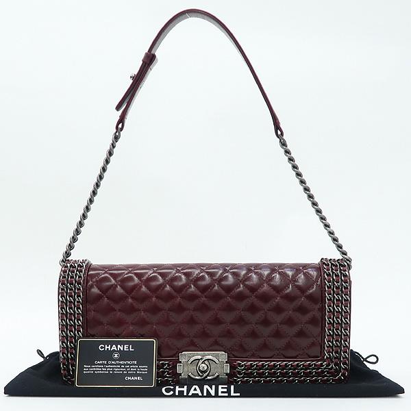 Chanel(샤넬) 빈티지 버건디컬러 보이샤넬 메탈로고 락 디테일 트리플 체인 플랩 숄더백 [강남본점]