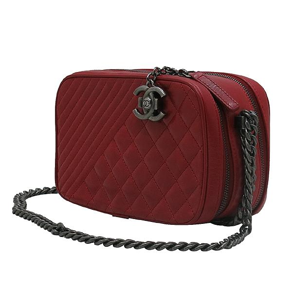 Chanel(샤넬) A92655 크루즈컬렉션 레드 램스킨 보이샤넬 빈티지 체인 카메라 크로스백 [인천점] 이미지2 - 고이비토 중고명품