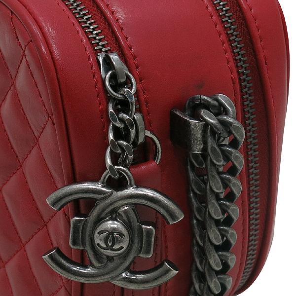Chanel(샤넬) A92655 크루즈컬렉션 레드 램스킨 보이샤넬 빈티지 체인 카메라 크로스백 [인천점] 이미지3 - 고이비토 중고명품