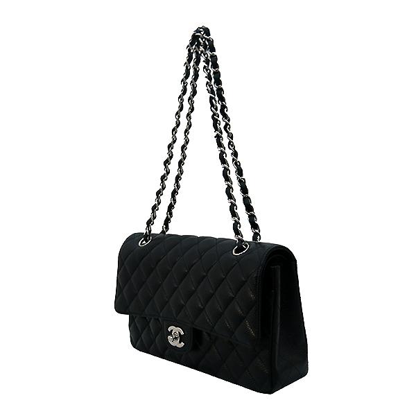Chanel(샤넬) A01112Y01588 캐비어스킨 블랙 클래식 M사이즈 은장 체인 숄더백 [부산센텀본점] 이미지3 - 고이비토 중고명품