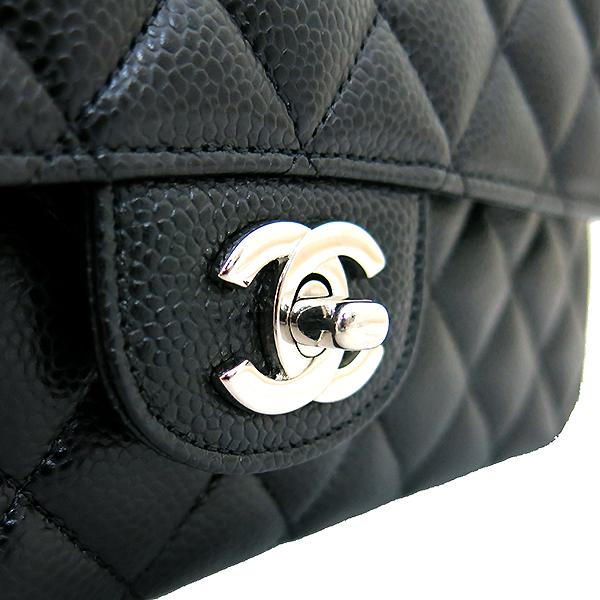 Chanel(샤넬) A01112Y01588 캐비어스킨 블랙 클래식 M사이즈 은장 체인 숄더백 [부산센텀본점] 이미지4 - 고이비토 중고명품