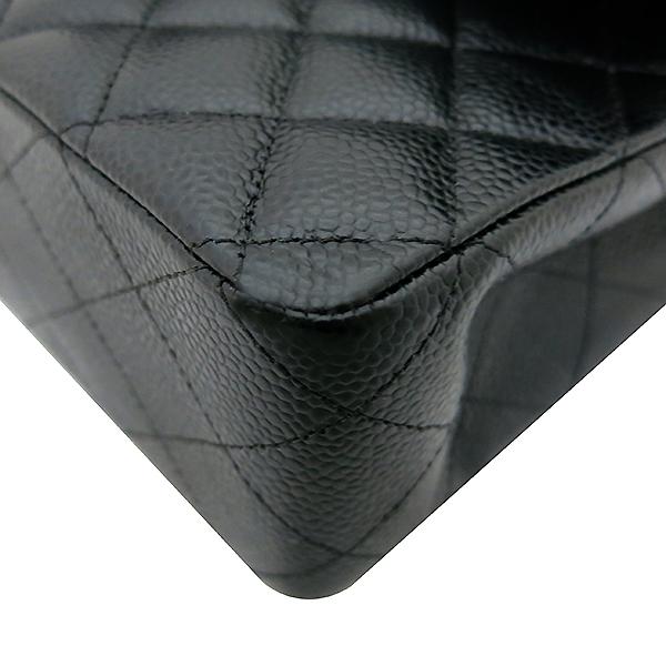 Chanel(샤넬) A01112Y01588 캐비어스킨 블랙 클래식 M사이즈 은장 체인 숄더백 [부산센텀본점] 이미지5 - 고이비토 중고명품