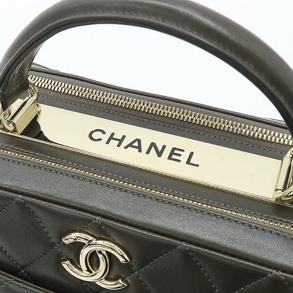 Chanel(샤넬) A92238 카키 컬러 트렌드 CC 볼링 스몰 체인 2WAY [강남본점] 이미지4 - 고이비토 중고명품