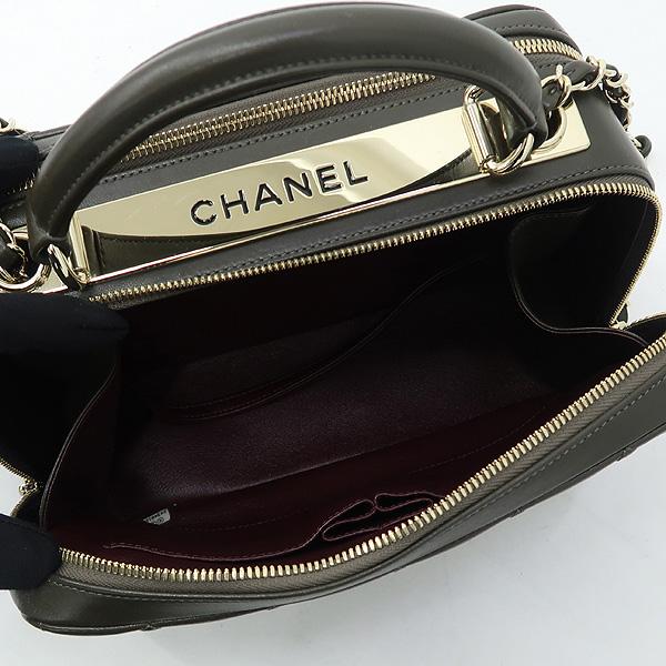 Chanel(샤넬) A92238 카키 컬러 트렌드 CC 볼링 스몰 체인 2WAY [강남본점] 이미지5 - 고이비토 중고명품