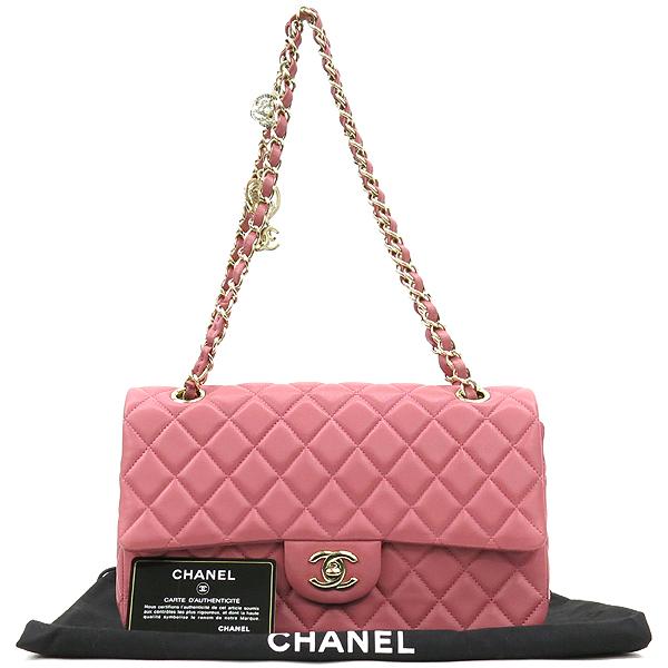 Chanel(샤넬) A90214 2014 프리컬렉션 핑크 컬러 램스킨 까멜리아 장식 클래식 M 사이즈 체인 숄더백 [강남본점]