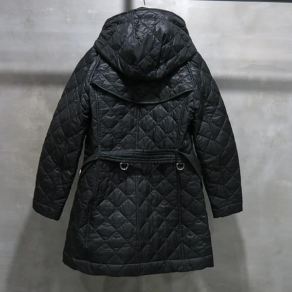 Burberry(버버리) 블랙 컬러 누빔 여성용 퀼팅 패딩 자켓 [인천점] 이미지2 - 고이비토 중고명품