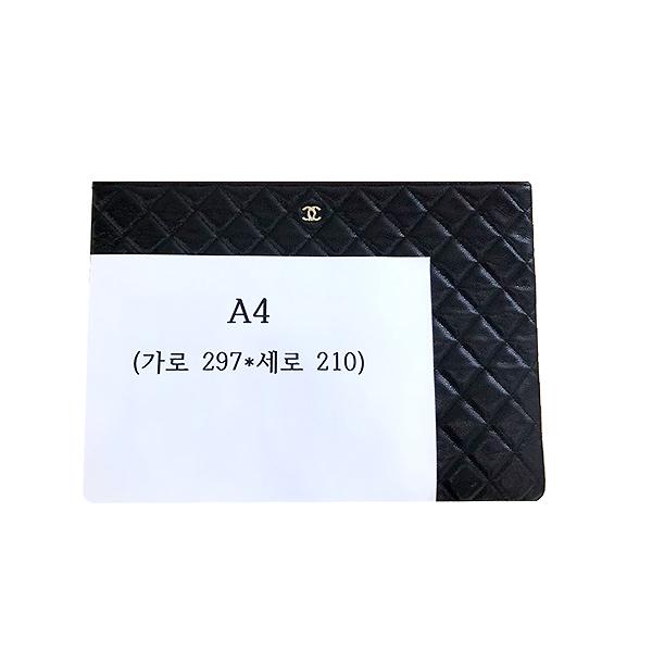 Chanel(샤넬) 블랙 캐비어스킨 금장 COCO로고 백포켓 XL사이즈 클러치백 [부산센텀본점] 이미지6 - 고이비토 중고명품