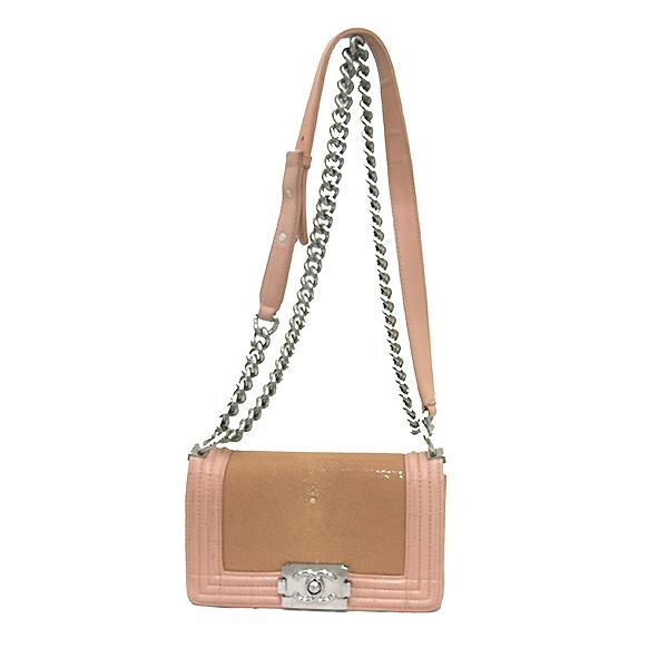 Chanel(샤넬) A66230 크루즈 라인 보이 샤넬 Galuchat(가오리) 램스킨 연핑크 레더 S 사이즈(미니) 빈티지 메탈 체인 숄더백 [부산센텀본점] 이미지2 - 고이비토 중고명품