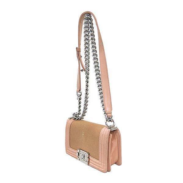 Chanel(샤넬) A66230 크루즈 라인 보이 샤넬 Galuchat(가오리) 램스킨 연핑크 레더 S 사이즈(미니) 빈티지 메탈 체인 숄더백 [부산센텀본점] 이미지3 - 고이비토 중고명품