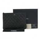 Chanel(샤넬) A82045Y25252 블랙 레더 은장 CC 로고 장식 퍼포레이션 O Case (오 케이스) 클러치 [대구동성로점]