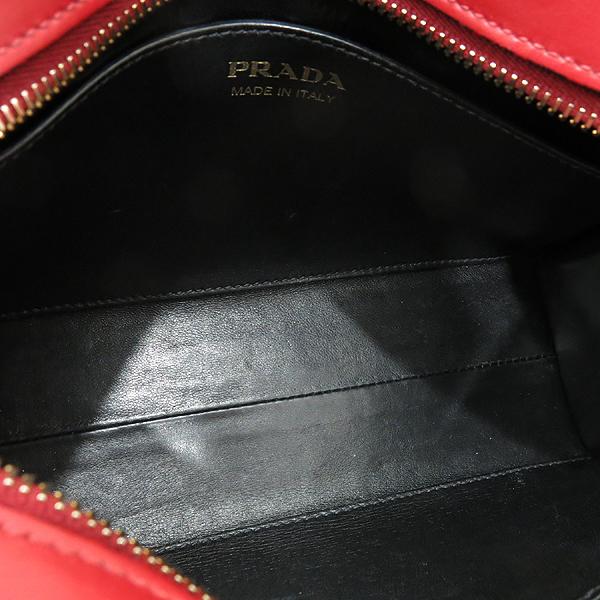 Prada(프라다) 1BH043 SAFFIANO CITY 레드 사피아노 시티 금장 로고 미니 스퀘어 크로스백 [인천점] 이미지6 - 고이비토 중고명품