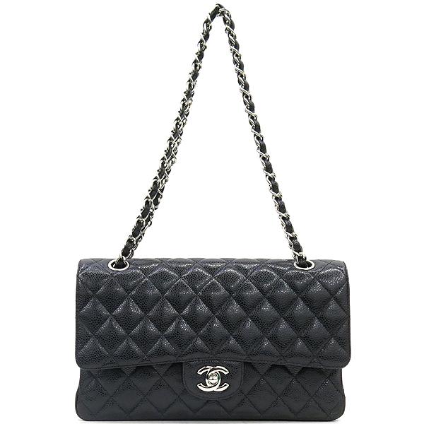 Chanel(샤넬) A0112Y01588 캐비어스킨 블랙 클래식 M사이즈 은장로고 체인 숄더백 [강남본점] 이미지2 - 고이비토 중고명품