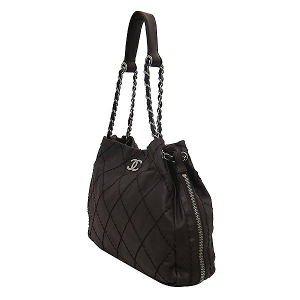 Chanel(샤넬) 브라운 레더 은장로고 와일드스티치  측면지퍼 숄더백 [부산센텀본점] 이미지2 - 고이비토 중고명품