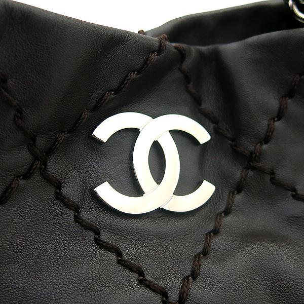 Chanel(샤넬) 브라운 레더 은장로고 와일드스티치  측면지퍼 숄더백 [부산센텀본점] 이미지4 - 고이비토 중고명품